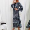 SCANDEZZA Szara sukienka maxi hiszpanka ze wzorem - zdjęcie 5