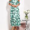 SCANDEZZA Biało-zielona sukienka maxi off shoulder w li¶cie - zdjęcie 6