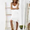 SCANDEZZA Biała sukienka z ozdobnym kwiatowym haftem - zdjęcie 3