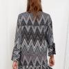 SCANDEZZA Szara sukienka w geometryczny nadruk - zdjęcie 1
