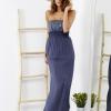 SCANDEZZA Niebieska sukienka maxi z cekinową górą - zdjęcie 5