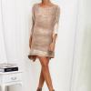 SCANDEZZA Beżowa sukienka oversize z cekinami w malarski deseń - zdjęcie 3