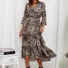 SCANDEZZA Beżowa długa sukienka w panterkę z dłuższym tyłem - zdjęcie 5