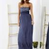 SCANDEZZA Niebieska sukienka maxi z cekinową górą - zdjęcie 6