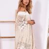 SCANDEZZA Beżowa koronkowa sukienka z hiszpańskim dekoltem - zdjęcie 1