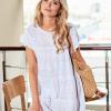 SCANDEZZA Biała ażurowana sukienka oversize - zdjęcie 6