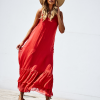 SCANDEZZA Czerwona długa sukienka z falbaną - zdjęcie 5