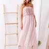 SCANDEZZA Różowa sukienka maxi z dekoltem carmen - zdjęcie 2