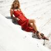 SCANDEZZA Czerwona sukienka w drobny kwiatowy wzór - zdjęcie 4
