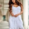 SCANDEZZA Biała sukienka z ozdobnym kwiatowym haftem - zdjęcie 5