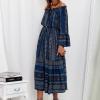 SCANDEZZA Granatowa sukienka maxi hiszpanka ze wzorem - zdjęcie 4