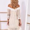 SCANDEZZA Beżowa koronkowa sukienka z hiszpańskim dekoltem - zdjęcie 3