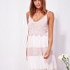 SCANDEZZA Różowa sukienka na ramiączkach z koronką - zdjęcie 1