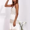 SCANDEZZA Beżowa sukienka na ramiączkach z koronką - zdjęcie 3