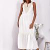 SCANDEZZA Ecru sukienka maxi z haftowanym dekoltem - zdjęcie 2