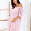 SCANDEZZA Różowa koronkowa sukienka z hiszpańskim dekoltem - zdjęcie 3
