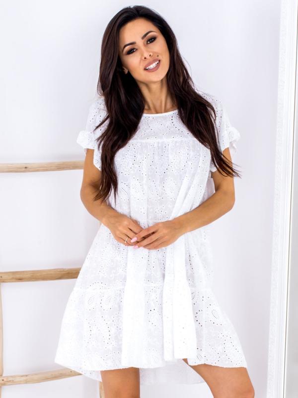 SCANDEZZA Biała ażurowana sukienka oversize