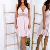 SCANDEZZA Różowa sukienka z ozdobnym dekoltem z tyłu - zdjęcie 1