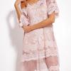 SCANDEZZA Pudroworóżowa luźna sukienka z oddzielną halką - zdjęcie 4