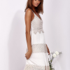SCANDEZZA Beżowa sukienka na ramiączkach z koronką - zdjęcie 5