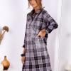 SCANDEZZA Ciemnoszara metaliczna sukienka w kratę z kołnierzykiem - zdjęcie 2
