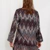 SCANDEZZA Szaro-bordowa sukienka w geometryczny nadruk - zdjęcie 1
