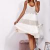 SCANDEZZA Beżowa sukienka na ramiączkach z koronką - zdjęcie 4
