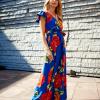 SCANDEZZA Niebieska długa sukienka w kwiaty - zdjęcie 3