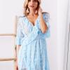 SCANDEZZA Niebieska koronkowa sukienka z kopertowym dekoltem - zdjęcie 1