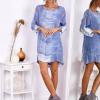 SCANDEZZA Niebieska sukienka oversize z cekinami w malarski deseń - zdjęcie 3