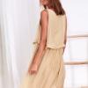 SCANDEZZA Beżowa zwiewna sukienka damska z cekinową lamówką - zdjęcie 6