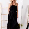 SCANDEZZA Czarna sukienka maxi z dekoltem carmen - zdjęcie 4