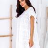 SCANDEZZA Biała ażurowana sukienka oversize - zdjęcie 2
