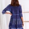 SCANDEZZA Niebieska sukienka boho z wycięciami na ramionach - zdjęcie 4