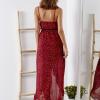 SCANDEZZA Bordowa sukienka w drobny kwiatowy wzór - zdjęcie 2
