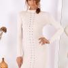 SCANDEZZA Beżowa dopasowana sukienka w prążek z oczkami - zdjęcie 1