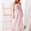 SCANDEZZA Różowa sukienka maxi z dekoltem carmen - zdjęcie 5