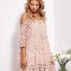 SCANDEZZA Pudroworóżowa sukienka cold shoulder z koronką i cekinowym haftem - zdjęcie 5