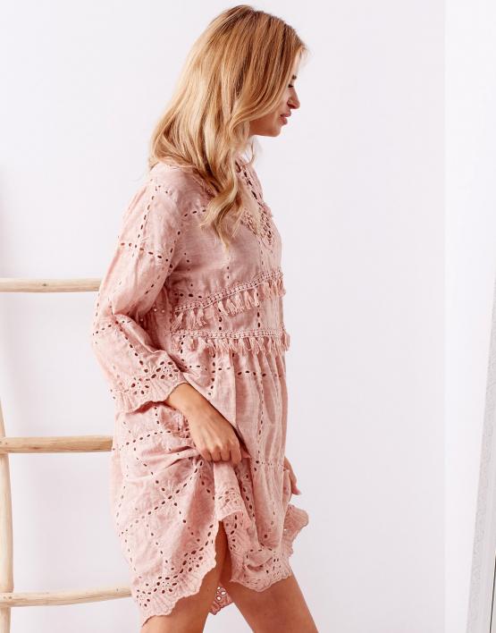 SCANDEZZA Różowa sukienka boho z perełkami