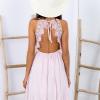SCANDEZZA Różowa sukienka z ozdobnym dekoltem z tyłu - zdjęcie 4
