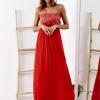 SCANDEZZA Czerwona sukienka maxi z cekinową górą - zdjęcie 2