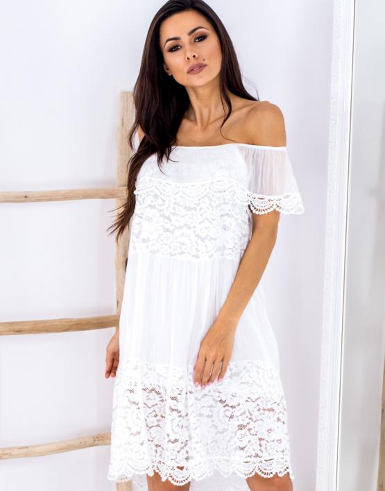 SCANDEZZA Biała sukienka hiszpanka z koronkowymi modułami