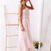 SCANDEZZA Różowa sukienka maxi z dekoltem carmen - zdjęcie 3