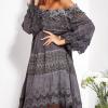 SCANDEZZA Grafitowa sukienka hiszpanka z koronką i perełkami - zdjęcie 4
