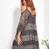 SCANDEZZA Grafitowa sukienka cold shoulder z koronką i cekinowym haftem - zdjęcie 2