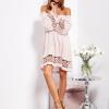 SCANDEZZA Pudroworóżowa sukienka hiszpanka z koronkowymi wstawkami - zdjęcie 3