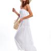SCANDEZZA Beżowa sukienka maxi bez ramion z koronkową falbaną - zdjęcie 1