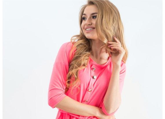 Różowa neonowa sukienka mini na lato
